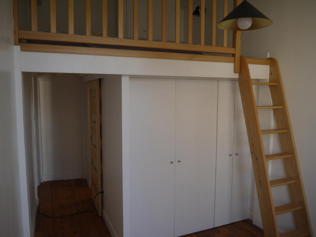 location d 39 appartement t2 de particulier lyon 69005 720 48 m. Black Bedroom Furniture Sets. Home Design Ideas