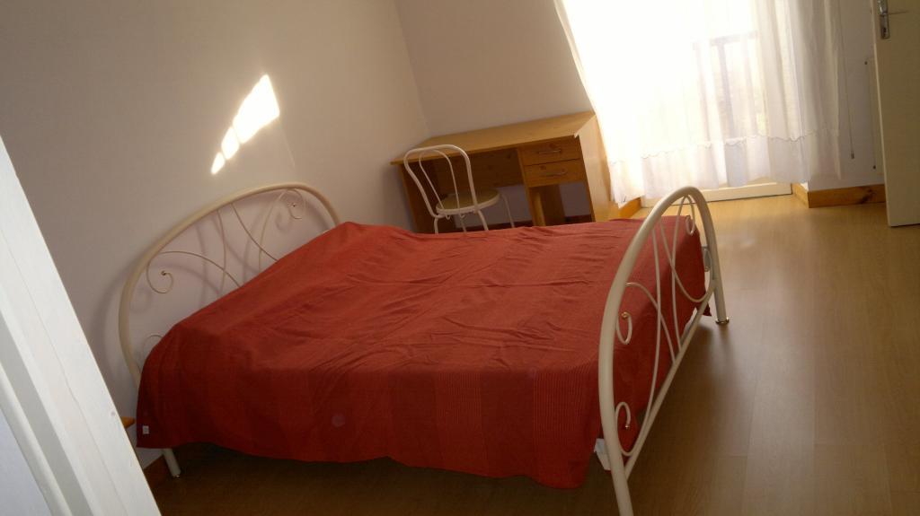 location d 39 appartement t2 meubl de particulier particulier aubin 330 38 m. Black Bedroom Furniture Sets. Home Design Ideas