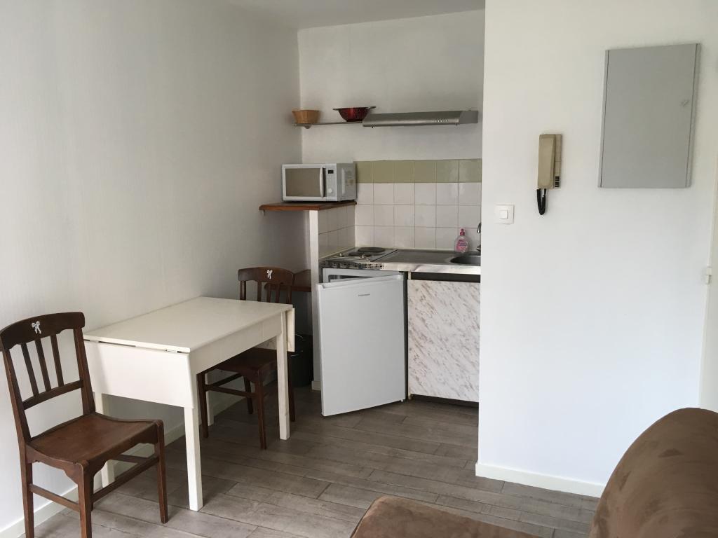 location de studio meubl de particulier particulier toulouse 500 26 m. Black Bedroom Furniture Sets. Home Design Ideas