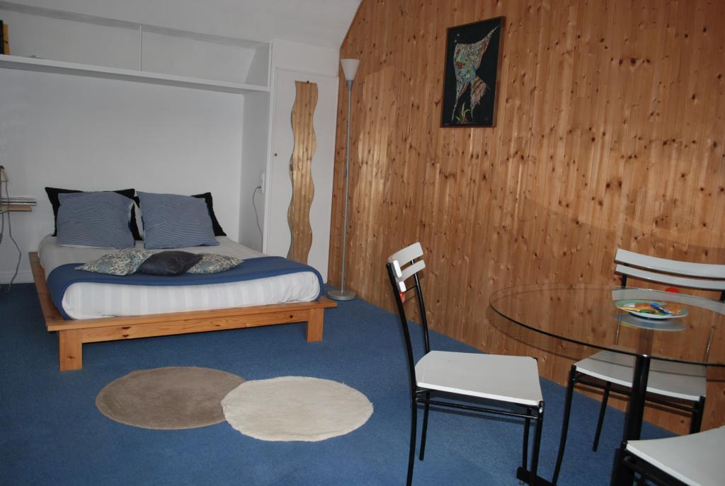 Location immobilière par particulier, Sainte-Sève, type chambre, 25m²