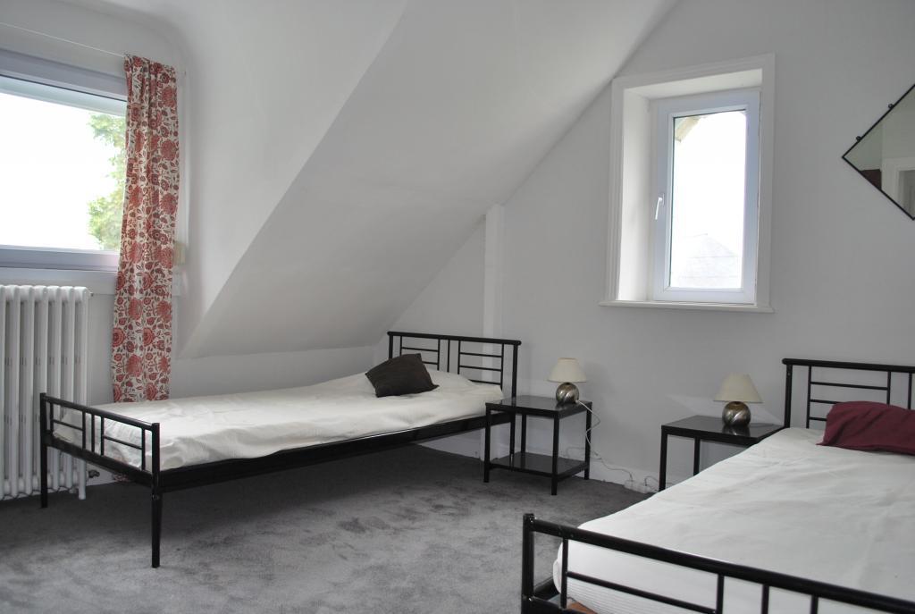 Entre particulier à Sainte-Sève, chambre, de 23m² à Sainte-Sève