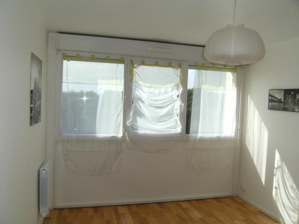 location tudiant chambray l s tours 19 annonces de locations pour tudiant chambray l s. Black Bedroom Furniture Sets. Home Design Ideas