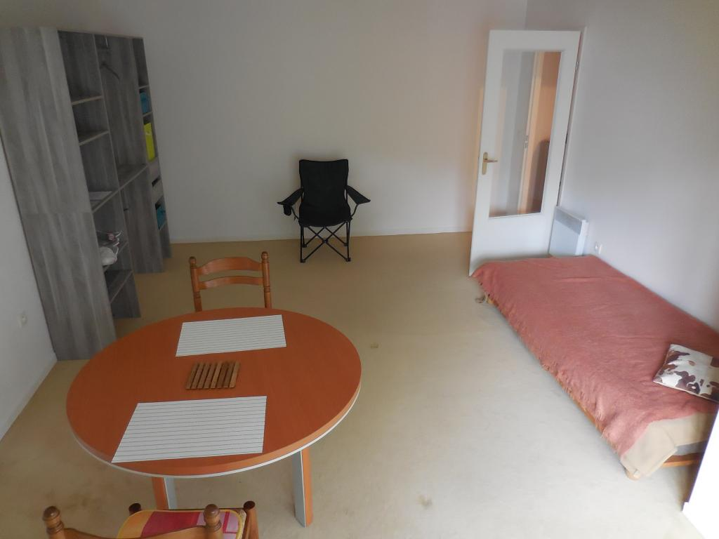 Location de studio meubl sans frais d 39 agence amiens for Du tellier meuble