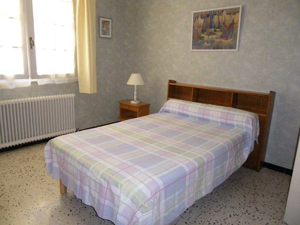 location de chambre meubl e de particulier particulier montpellier 360 17 m. Black Bedroom Furniture Sets. Home Design Ideas
