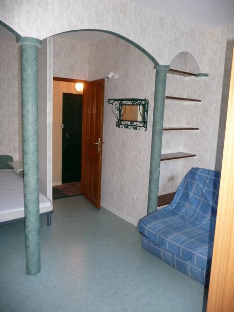 location d 39 appartement t1 meubl entre particuliers st etienne 329 35 m. Black Bedroom Furniture Sets. Home Design Ideas