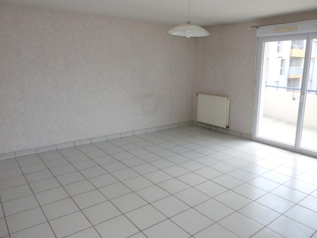 location d 39 appartement t3 de particulier particulier angers 800 75 m. Black Bedroom Furniture Sets. Home Design Ideas