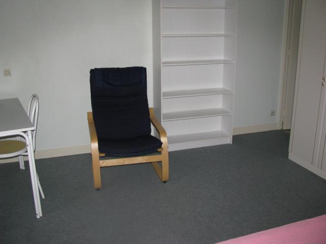 location studio meuble olivet 45160. Black Bedroom Furniture Sets. Home Design Ideas