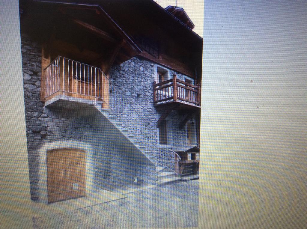 location d 39 appartement t3 de particulier particulier st etienne de cuines 620 75 m. Black Bedroom Furniture Sets. Home Design Ideas