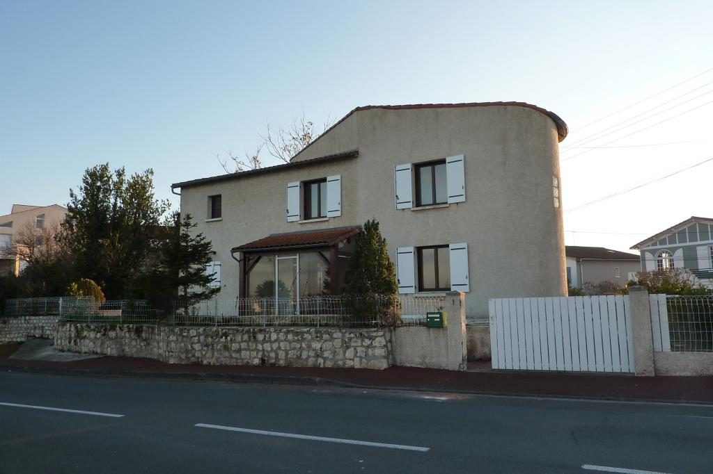 De particulier à particulier Saint-Sulpice-de-Royan, appartement maison, 114m²