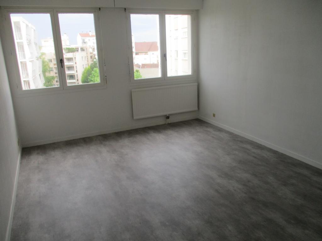 location d 39 appartement t1 de particulier particulier fontaine les dijon 465 38 m. Black Bedroom Furniture Sets. Home Design Ideas