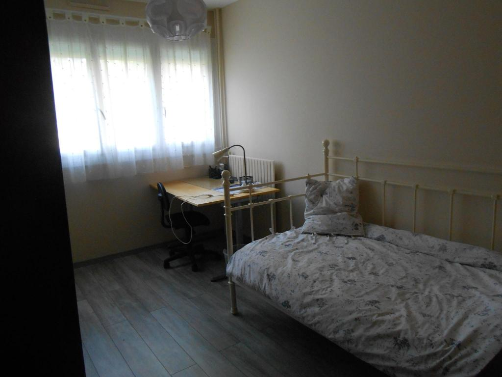 Particulier location Saint-Herblain, chambre, de 11m²