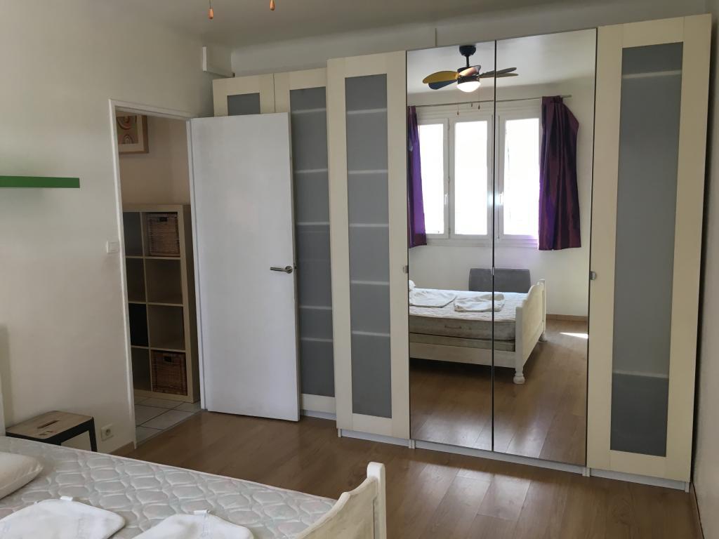 location d 39 appartement t3 de particulier particulier marseille 13005 730 53 m. Black Bedroom Furniture Sets. Home Design Ideas