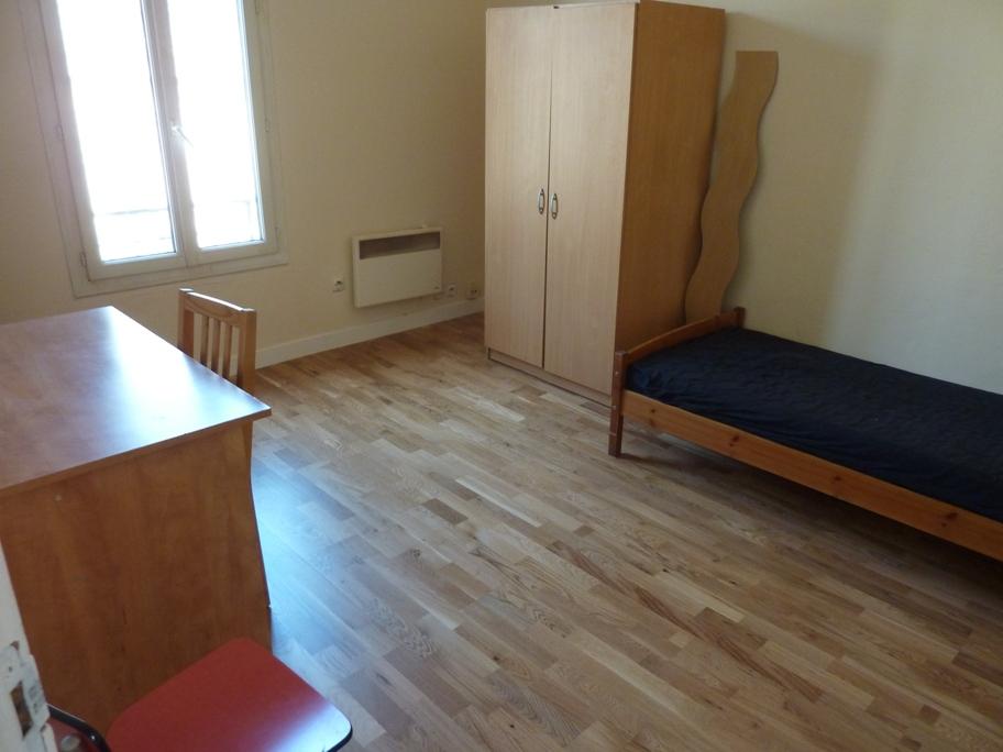 Location de chambre meubl e sans frais d 39 agence st maur for Location de chambre meublee