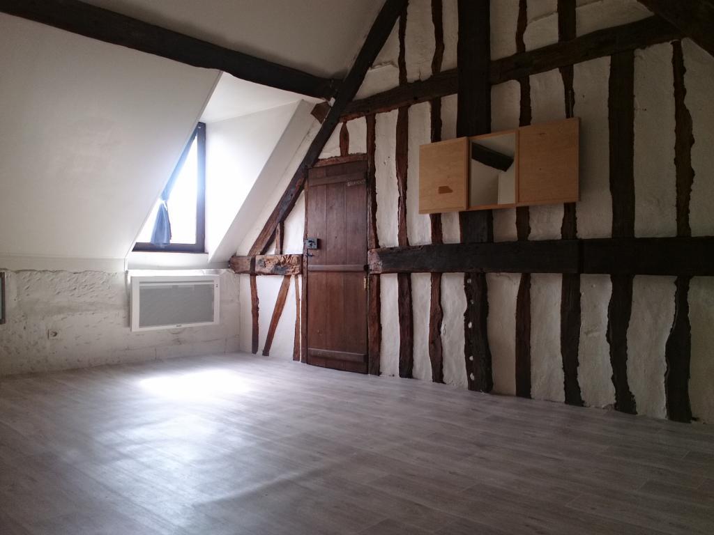 location tudiant saint tienne du rouvray 25 annonces de locations pour tudiant saint. Black Bedroom Furniture Sets. Home Design Ideas