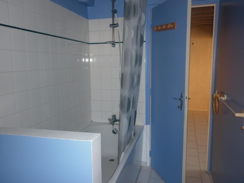Location d 39 appartement t2 sans frais d 39 agence chateau for Location appartement sans frais agence