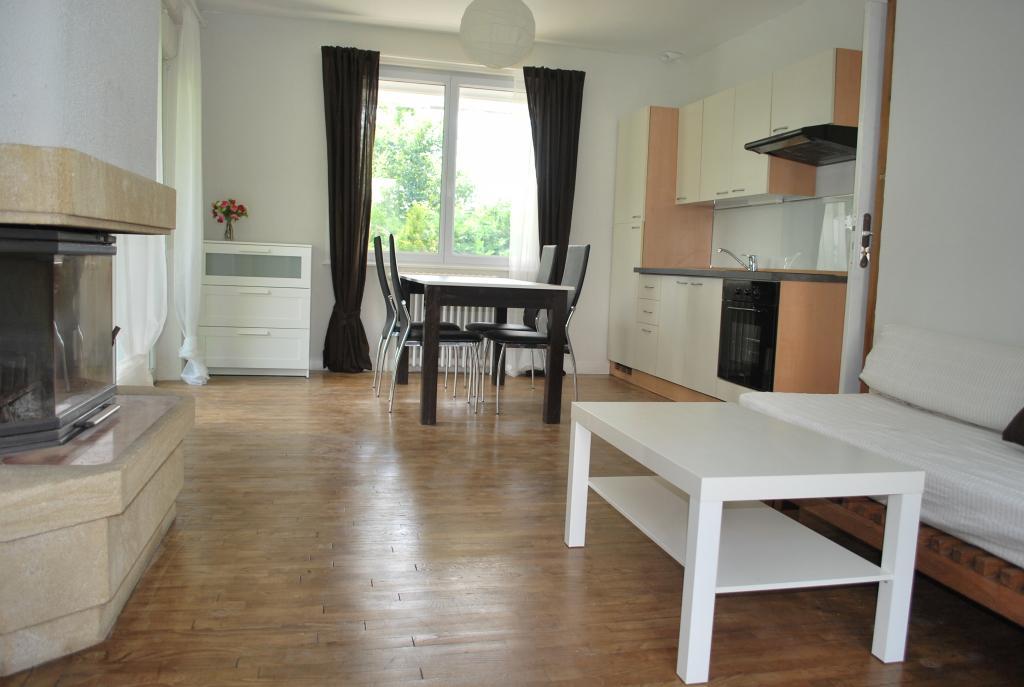 location de studio meubl de particulier morlaix 396. Black Bedroom Furniture Sets. Home Design Ideas
