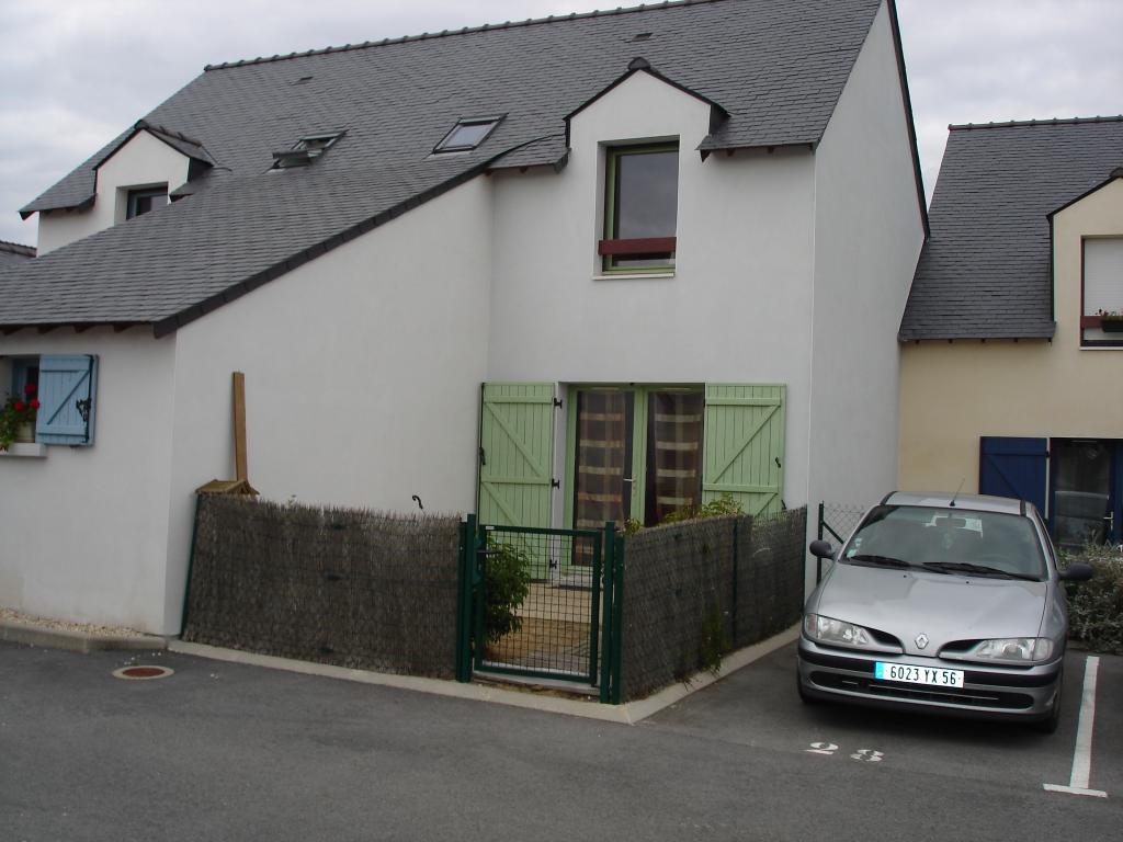 Location de maison f3 entre particuliers ambon 560 for Location maison particulier a particulier