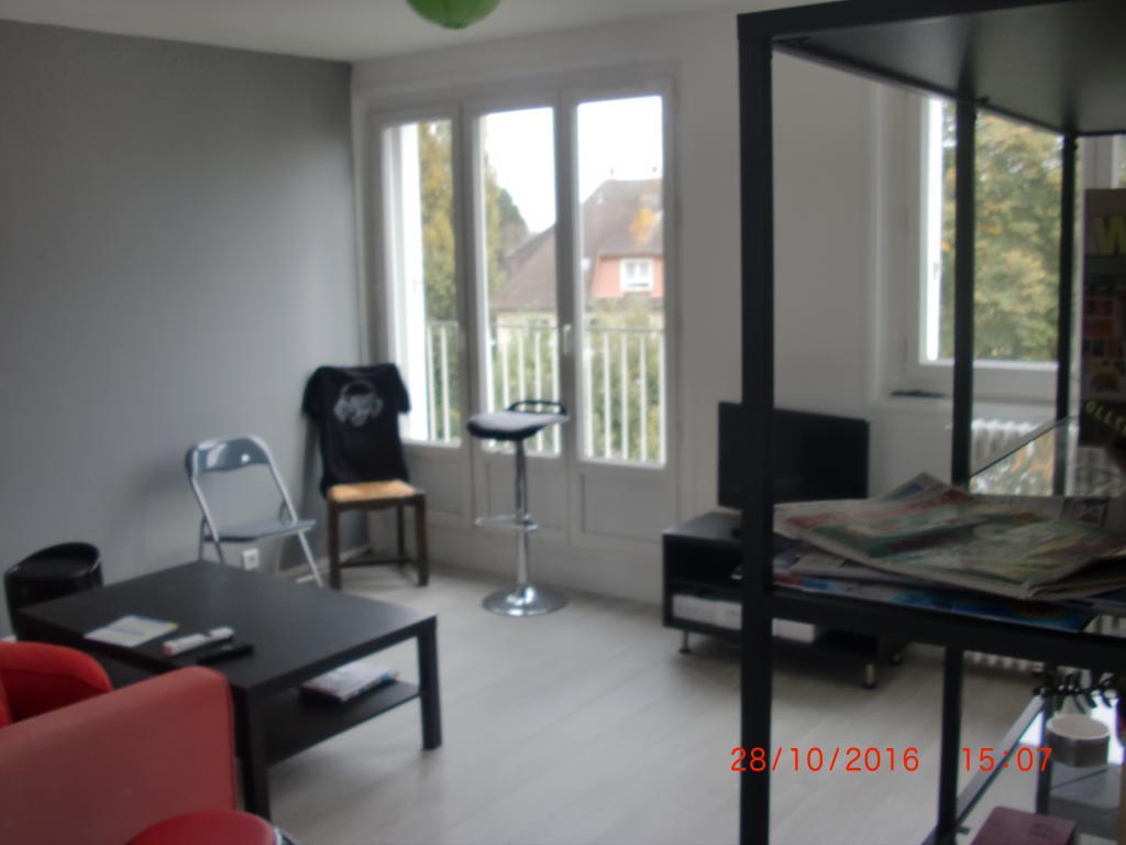 offre chambre 2 pi ces en colocation caen 395. Black Bedroom Furniture Sets. Home Design Ideas