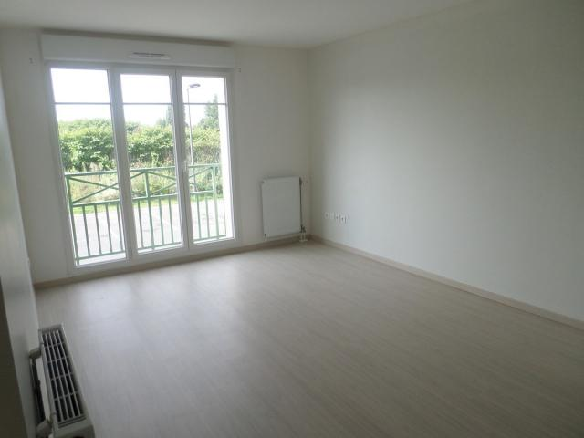 Location appartement T2 Persan - Photo 1