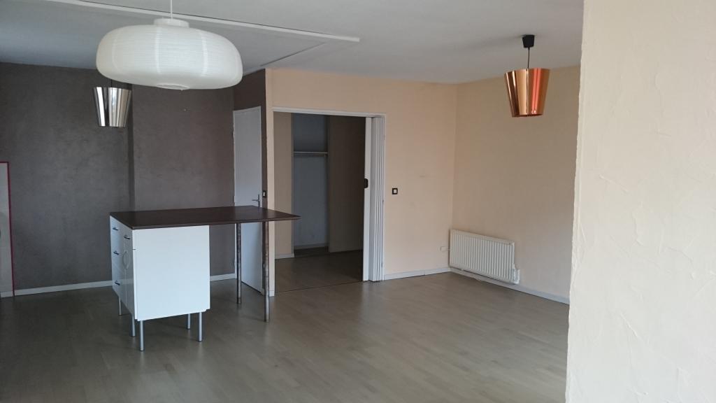 Entre particulier , appartement, de 72m² à Châteauvilain
