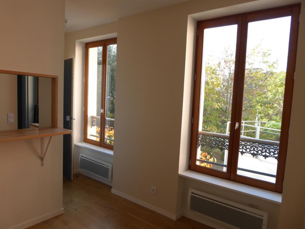 Location appartement par particulier, studio, de 15m² à Paris 20