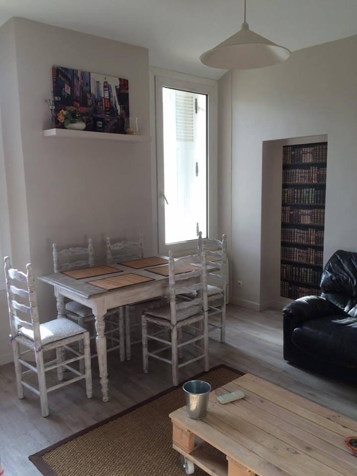 logement tudiant pradet 83 22 logements tudiants disponibles. Black Bedroom Furniture Sets. Home Design Ideas