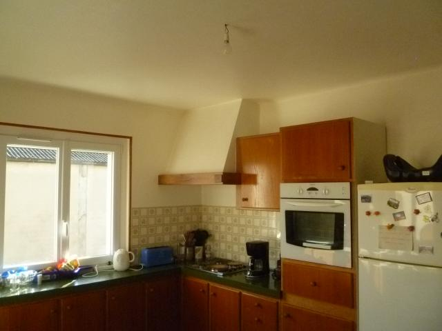 Location maison F7 Lapeyrouse Mornay - Photo 2