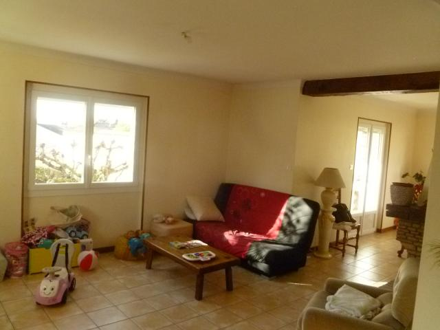 Location maison F7 Lapeyrouse Mornay - Photo 3