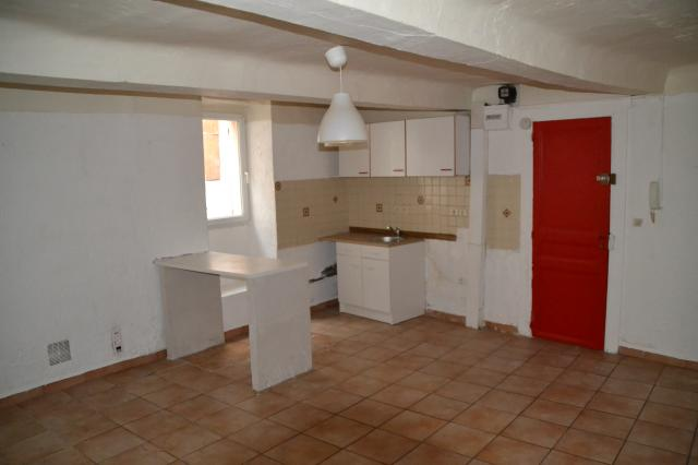 Location appartement T2 Ste Tulle - Photo 1