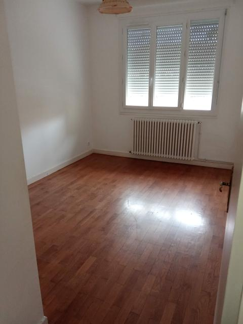 Location appartement T3 Decines Charpieu - Photo 2