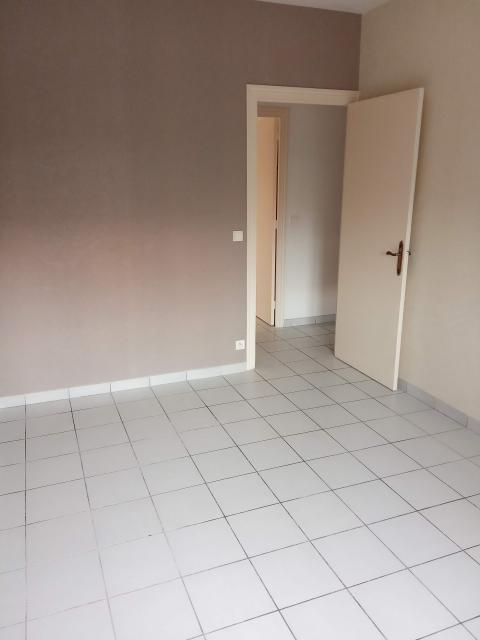 Location appartement T3 Decines Charpieu - Photo 4