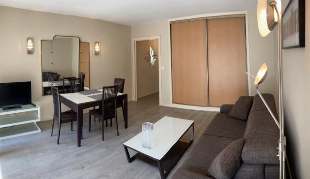 location de studio meubl entre particuliers paris. Black Bedroom Furniture Sets. Home Design Ideas