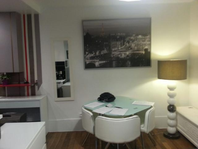 Location appartement T2 Paris 04 - Photo 3