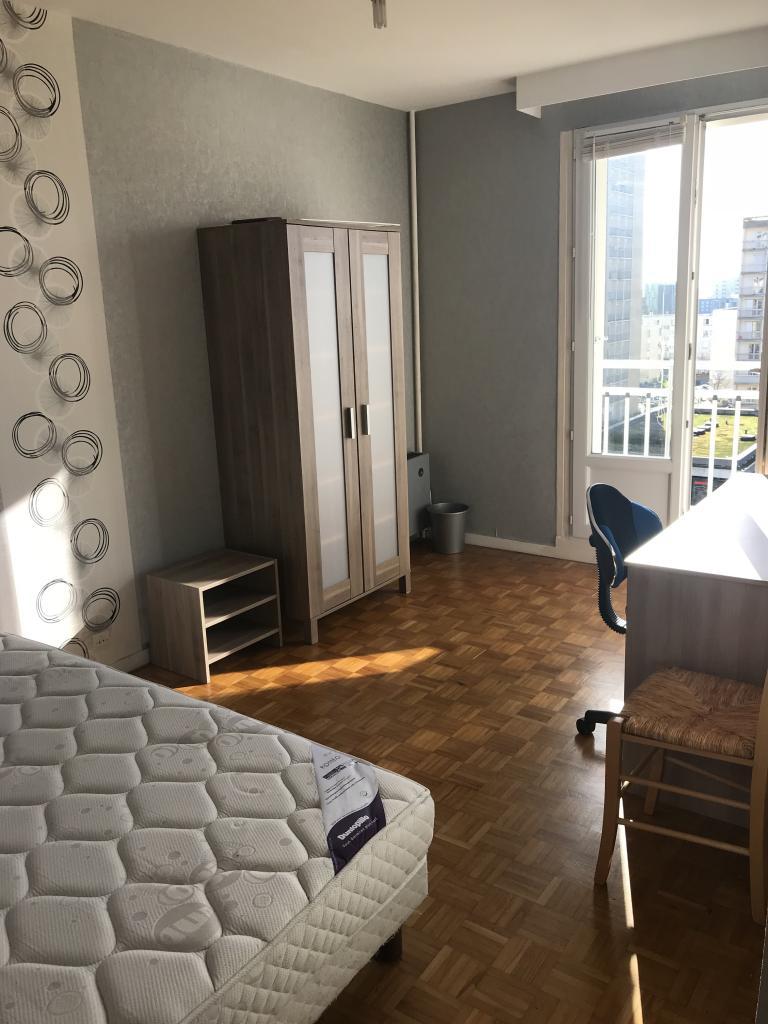 offre de chambre en colocation sur rennes 340. Black Bedroom Furniture Sets. Home Design Ideas