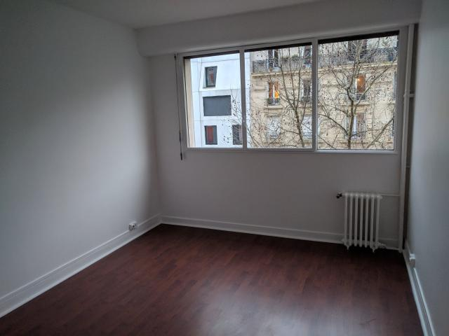 Location appartement T2 Paris 18 - Photo 3