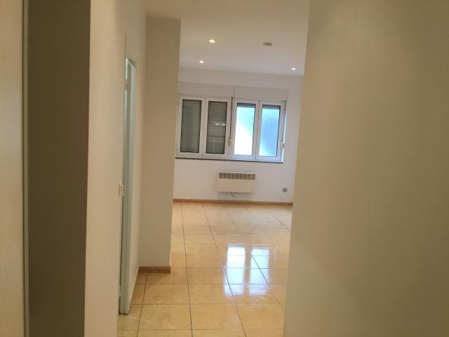 Location appartement T2 Aubervilliers - Photo 2