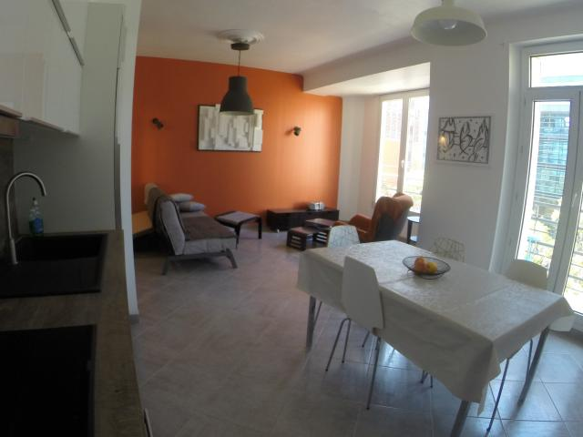 Perfect Location Appartement T2 Marseille 02   Photo 1 ...