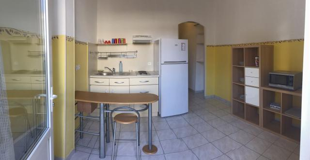 Location appartement T2 Marseille 04 - Photo 1
