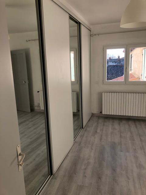 Location appartement T2 Beaucaire - Photo 2