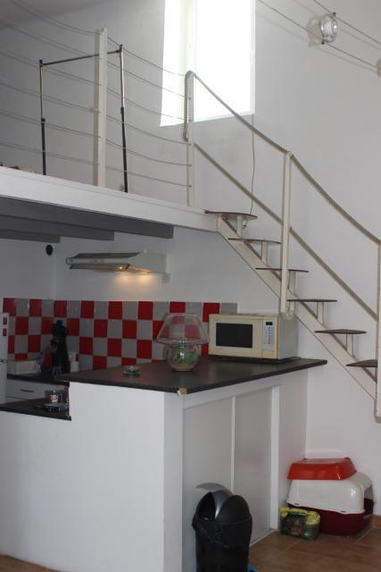 location de 2 pi ces de particulier particulier nimes 500 43 m. Black Bedroom Furniture Sets. Home Design Ideas