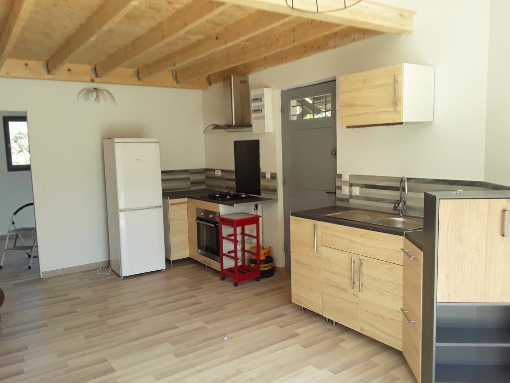 Entre particulier , maison, de 46m² à Alignan-du-Vent