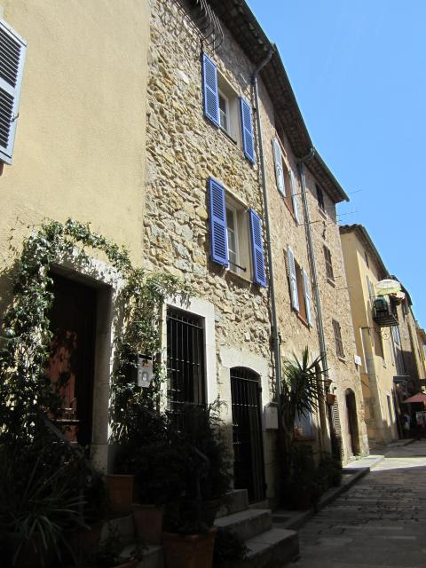 Location maison F3 Valbonne - Photo 1