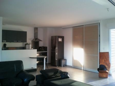 offre de chambre pour colocation angers 350. Black Bedroom Furniture Sets. Home Design Ideas