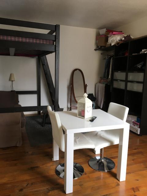 location de studio meubl entre particuliers reims 450 25 m. Black Bedroom Furniture Sets. Home Design Ideas