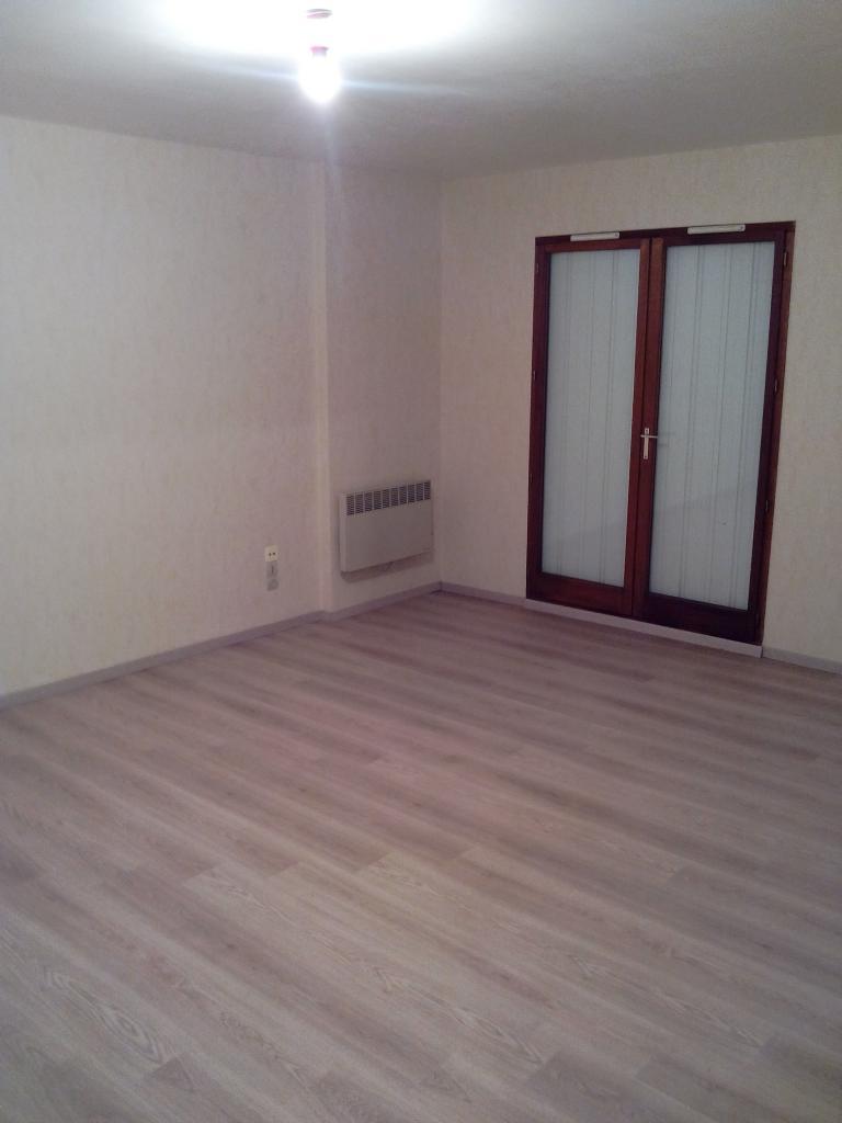 location particulier studio de 33m metz location appartement. Black Bedroom Furniture Sets. Home Design Ideas