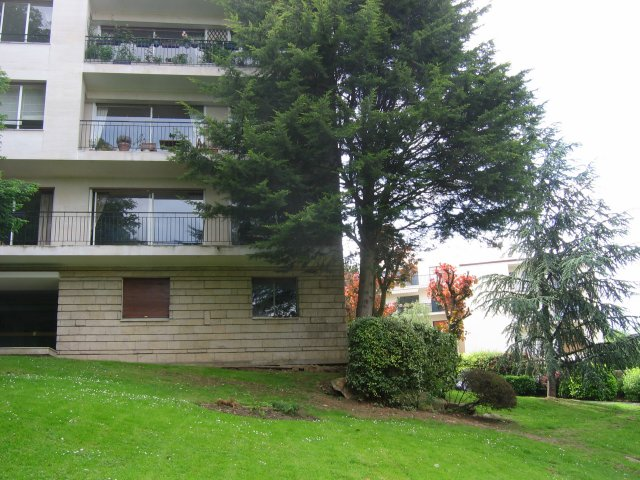 Location de particulier à particulier à Ville-d'Avray, appartement chambre de 12m²