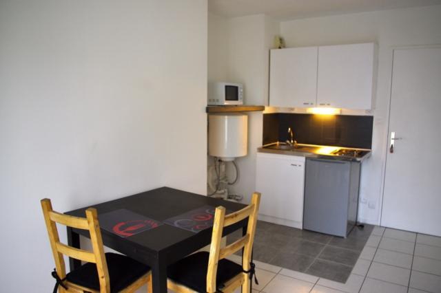 location meubl brest entre particuliers. Black Bedroom Furniture Sets. Home Design Ideas
