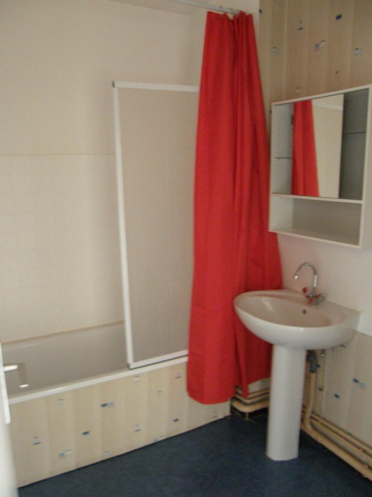 location particulier particulier appartement de 45m limoges location appartement. Black Bedroom Furniture Sets. Home Design Ideas