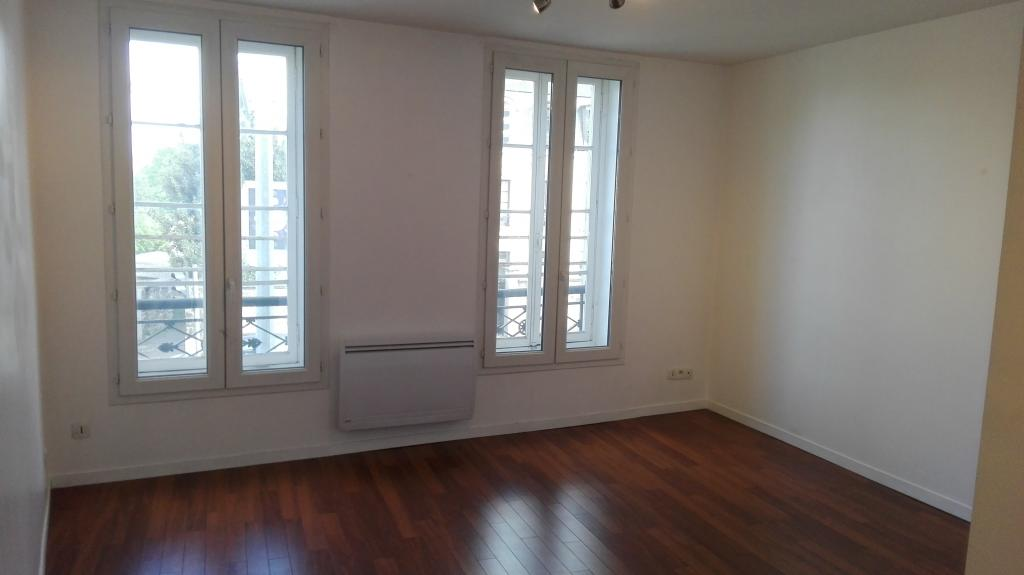 De particulier à particulier, studio à Port-Marly, 30m²