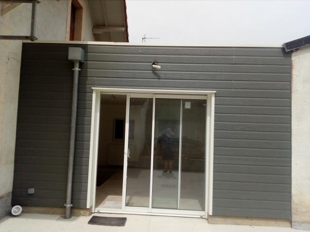 location de maison f5 entre particuliers bourges 750 115 m. Black Bedroom Furniture Sets. Home Design Ideas